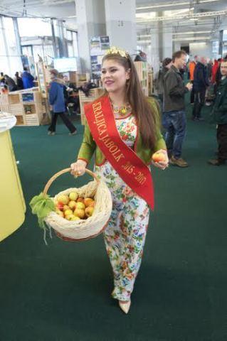 10. kraljica jabolk Taja Gril